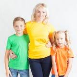 Famille heureuse avec la belle mère et ses enfants Photos stock