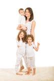 Famille heureuse de quatre membres Photographie stock libre de droits