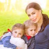 Famille heureuse ensemble Photo libre de droits
