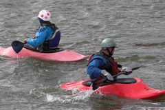 Famille kayaking Photographie stock