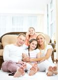 Famille à la maison Images libres de droits