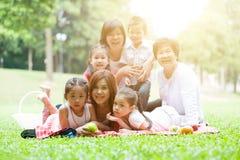 Famille multi asiatique de générations Image libre de droits
