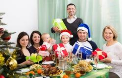Famille Multigenerational célébrant Noël Photographie stock
