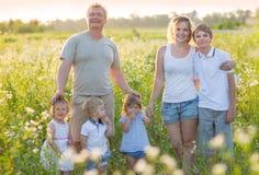 Famille nombreuse avec des enfants Photo libre de droits