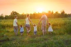 Famille nombreuse avec des enfants Image stock