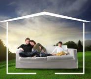 Famille rêvant une maison Photo stock