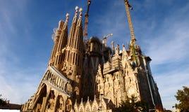 Famille sainte de Sagrada FamÃlia - une cathédrale en construction Images stock