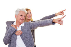 Famille se dirigeant avec des doigts Images stock