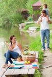 Famille sur le pique-nique Image libre de droits