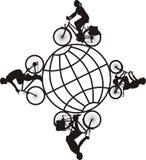 Famille sur un vélo autour du monde Photo stock