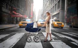 Famille urbaine images libres de droits