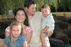Familles heureux Photographie stock libre de droits