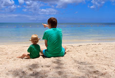Family on the beach of Mauritius Royalty Free Stock Photos