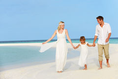 Family At Beautiful Beach Wedding Royalty Free Stock Photos