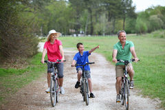 Family bike ride Royalty Free Stock Photography
