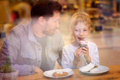 Family in cafe Royalty Free Stock Images