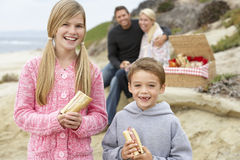 Family Dining Al Fresco At The Beach Stock Images