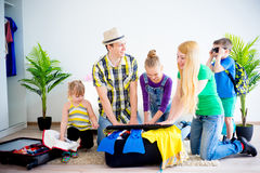 Family going to a seaside Royalty Free Stock Photography