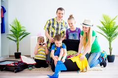 Family going to a seaside Royalty Free Stock Images