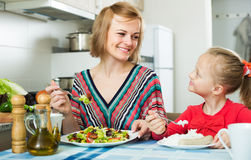 Family having healthy lunch Royalty Free Stock Photography