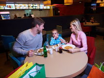 Family having lunch in shopping mall Royalty Free Stock Photos