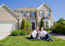 Free Family In Front Of House Royalty Free Stock Images - 5300629