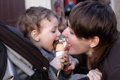 Free Family Licks Ice Cream Stock Image - 41389181