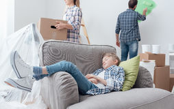 Family moving into a new apartment Royalty Free Stock Images