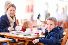 Family at outdoor cafe Royalty Free Stock Photography