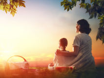Family picnicking together Royalty Free Stock Photography