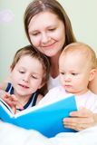 Family reading Royalty Free Stock Images