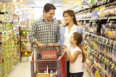 Family shopping in supermarket Royalty Free Stock Photography