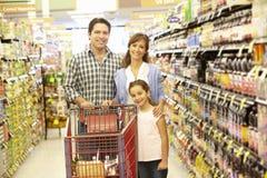 Family shopping in supermarket Royalty Free Stock Photos