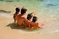 Family snorkeling Royalty Free Stock Images