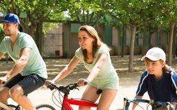 Family spending the weekend with bicycles Stock Photography