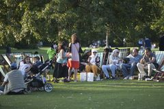 The family took a picnic in Hyde Park stock photography