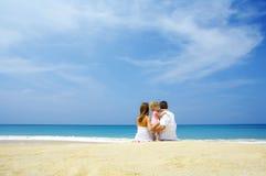 Família e oceano Imagens de Stock
