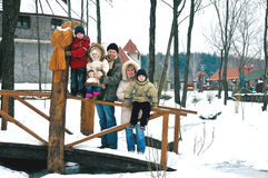Família feliz em um brich Foto de Stock Royalty Free