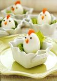 Família fervida dura do ovo da galinha Alimento da Páscoa para crianças Foto de Stock Royalty Free