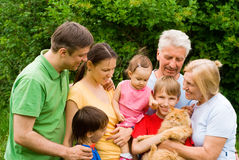 Família na natureza Foto de Stock Royalty Free