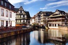 ` Famoso de Petite France del La del ` del distrito en Estrasburgo foto de archivo