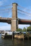 Famoso el café del río en parque del puente de Brooklyn Imagen de archivo libre de regalías