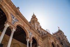 Famoso Plaza de Espana - quadrado espanhol em Sevilha, a Andaluzia, Espanha Marco velho Foto de Stock Royalty Free