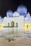 In the famous Abu Dhabi Sheikh Zayed Mosque by night Royalty Free Stock Photos