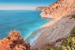 Free Famous And Popular Among Tourists And Vacationers Kaputas Beach On The Mediterranean Coast Of Turkey. Panoramic View Of Sea Stock Images - 208381744