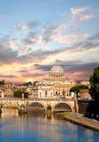 Famous Basilica di San Pedro en el Vaticano, Roma, Italia Imagen de archivo