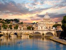 Famous Basilica Di San Pietro in Vatikaan, Rome, Italië Stock Afbeelding