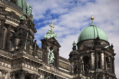 Berliner Dom & Cloudy Sky Stock Photography