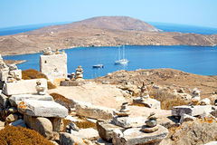 Famous   in delos greece the historycal acropolis and old ruin s. In delos         greece the historycal acropolis and         old ruin site Stock Photography