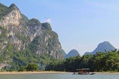 Famous karst mountains at Li river near Yangshuo, China Stock Photos